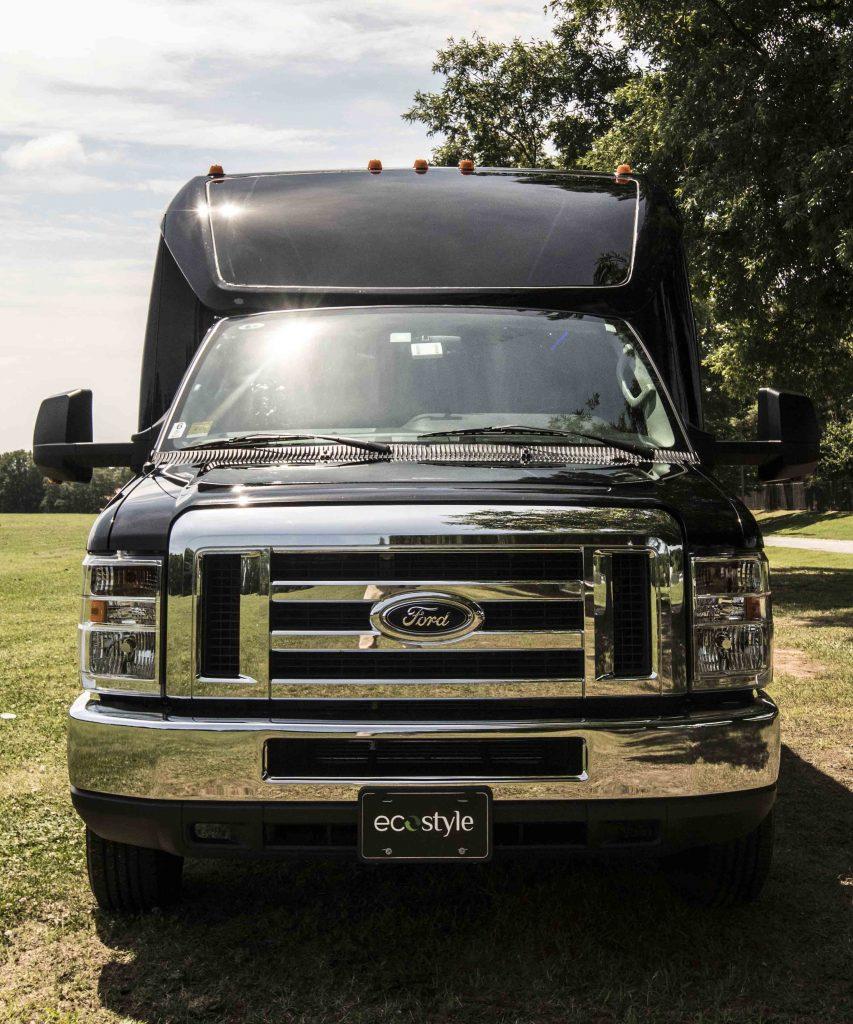 Ford Minibus | 23 Passenger